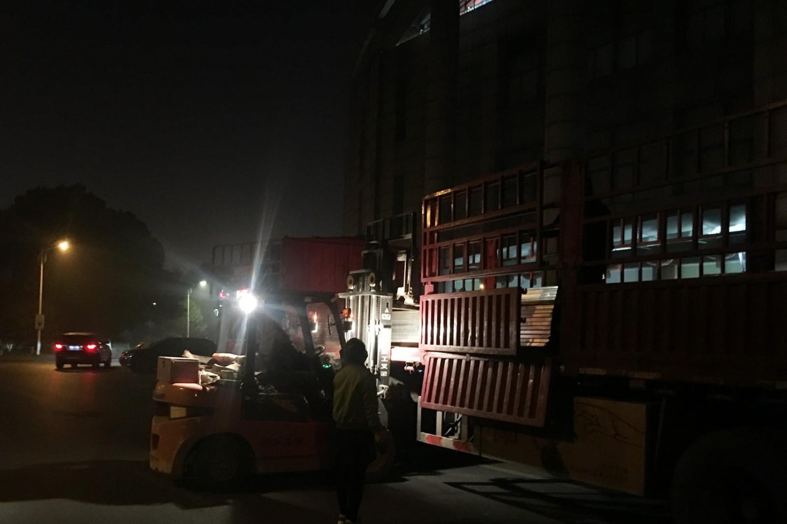 张家港第一人民医院项目支架到货11-28_副本.jpg